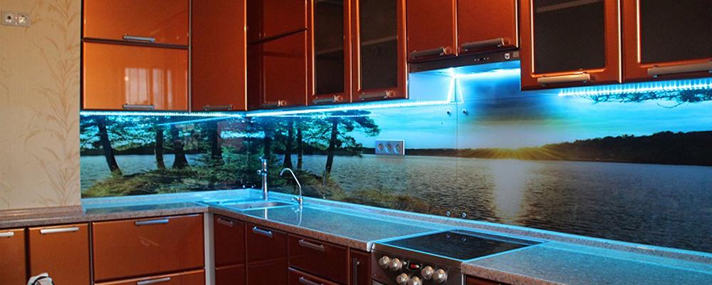 Купить стеклянные фартуки для кухни в Санкт-Петербурге